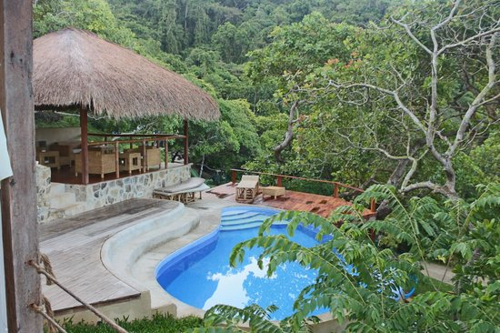 El Nido Overlooking : View of the Pool from your Villa
