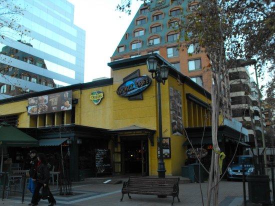 Hotel Neruda Express: Bares e Restaurantes nos arredores do hotel