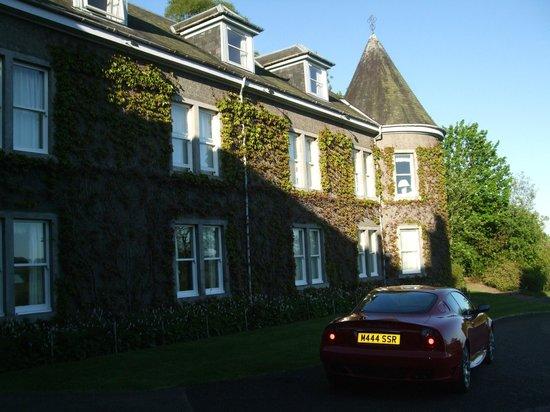 Kinloch House: Outside