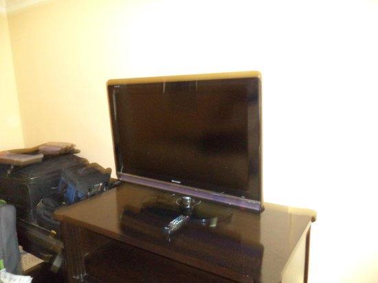 Holiday Inn Bangkok Silom : TV Flat Screen