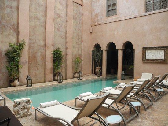 Riad Noir d'Ivoire: Poolside