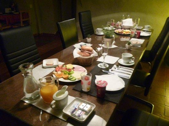 Pension Adalbert: Breakfast