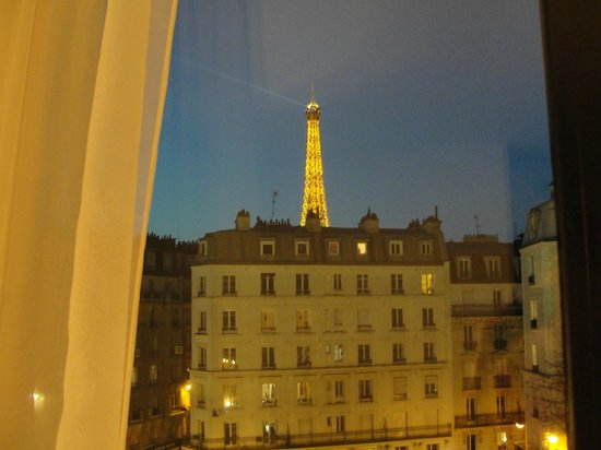 Mercure Paris Tour Eiffel Grenelle Hotel: our view at night