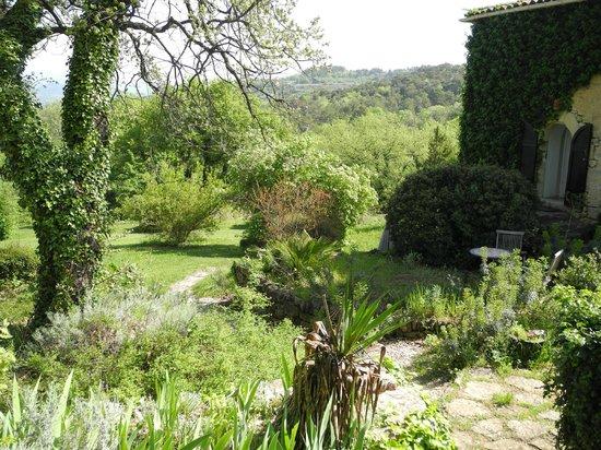 maison et jardin - Picture of La Bouquiere, Bonnieux - TripAdvisor