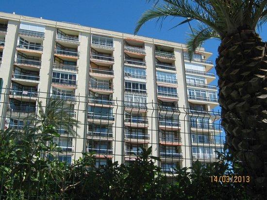 Apartamentos Torre de la Roca : Urbanizacion La Roca