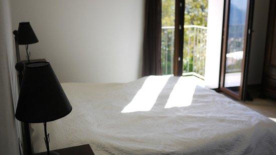 B&B Iradas : Detail of bedroom