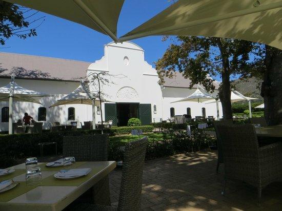 Steenberg Hotel: Patio Catharina's Restaurant