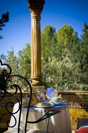 達爾艾尼文飯店照片