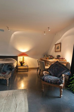 Duinenhuys: Very large suite with balcony overlooking the garden