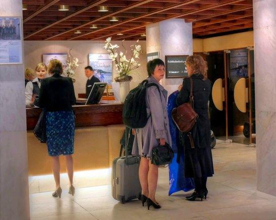 Maritim Hotel Bad Salzuflen: Reception