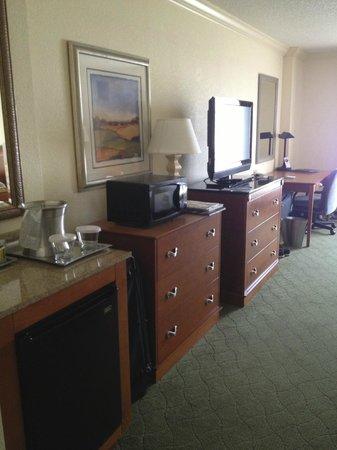 Hilton Naples: Room.