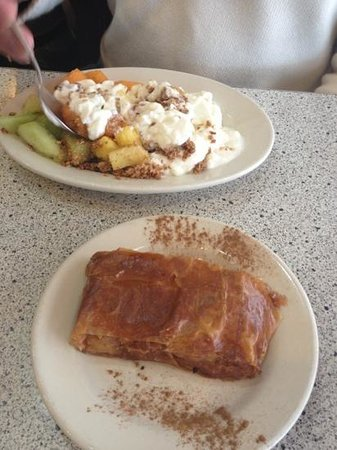Benash Delicatessen : Breakfast All Day