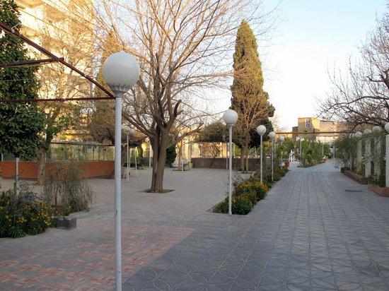 Park Hotel Shiraz: cortile interno