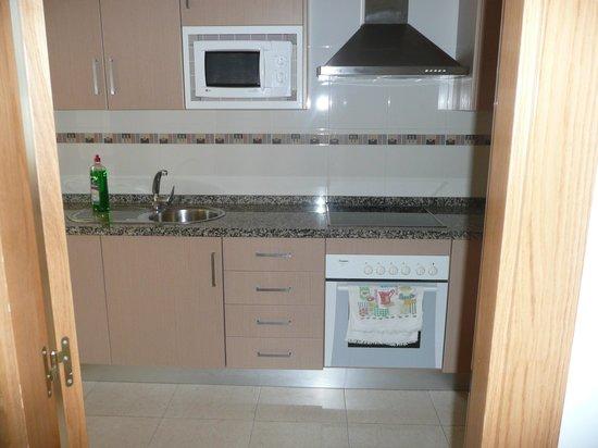 Apartamentos Turisticos Fercomar: Kitchen