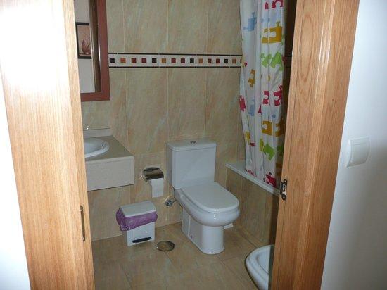 Apartamentos Turisticos Fercomar: Bathroom