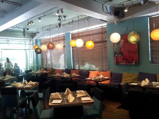 Pelican Hotel: Inside dining area