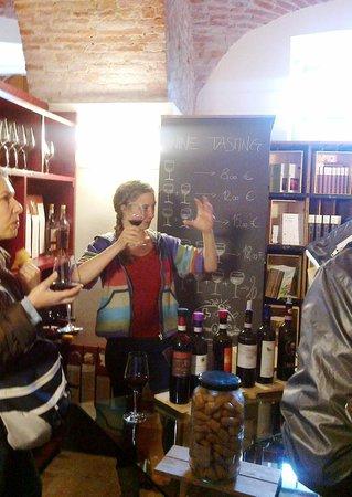 Banca del Vino: Degustazione con spiegazione