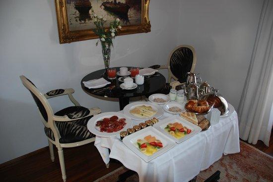 Hotel Mirador de Dalt Vila: breakfast