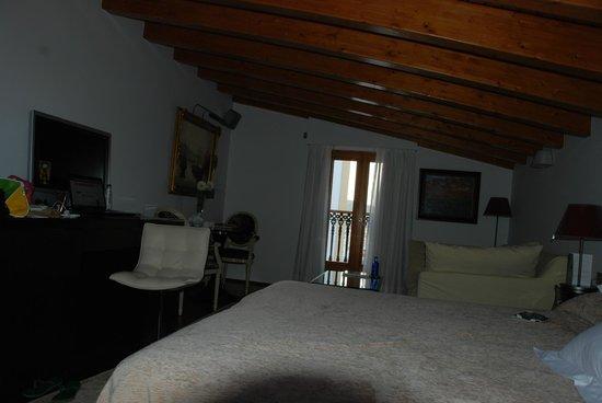 Hotel Mirador de Dalt Vila: suite / bedroom