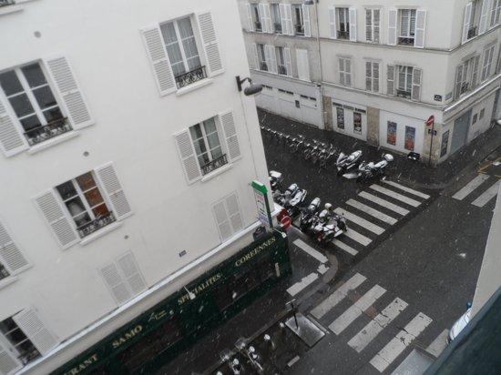 Hôtel Beaugency : The street below
