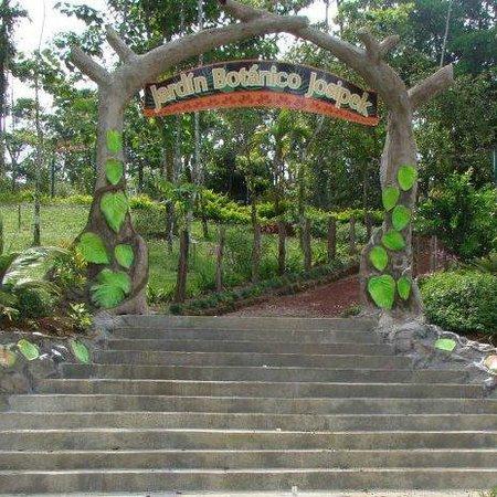 Entrada al Jardín Botánico