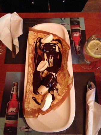 Le Billig Creperie-Bistro : Chocolate & Bananna Crepe!