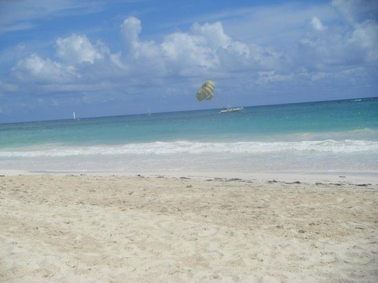 Caribe Club Princess Beach Resort & Spa: Stunning clear white sandy beach
