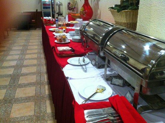 A25 Hotel 44 Hang Bun: Poor Breakfast