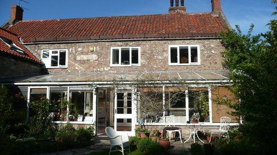Millyard House: Dine in wonderful conservatory, or enjoy the garden