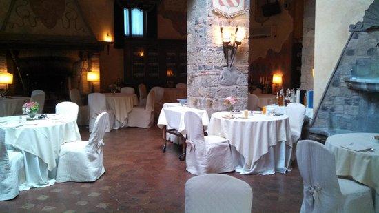 Castello della Castelluccia: Dining room all to ourselves for breakfast!