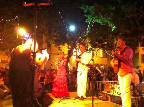 Manoir des Sources : 21. Juni Stadtfest in Uzès