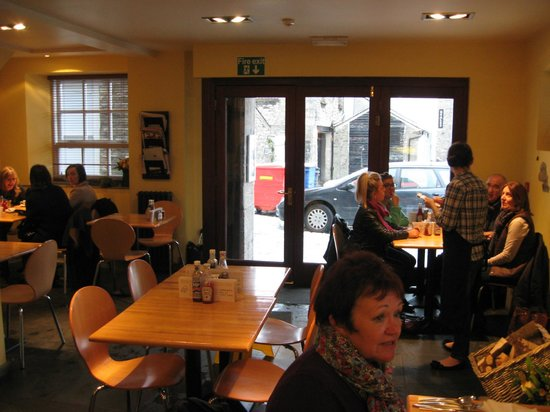 Baba Ganoush: Eating area