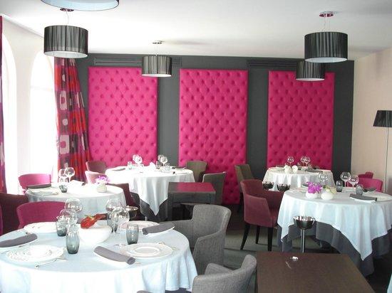 Hotel-Restaurant de la Poste : UNE DES SALLES DU RESTAURANT