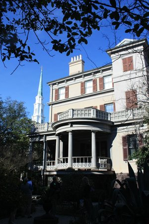 Juliette Gordon Low's Birthplace: house from the gardens