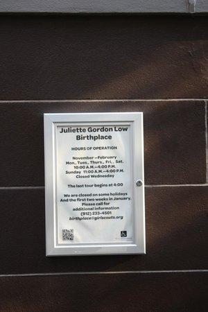 Juliette Gordon Low's Birthplace: Historical plaque