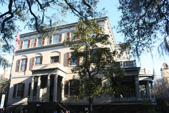 Juliette Gordon Low's Birthplace: Home on a previous visit . Currently undergoing renovation
