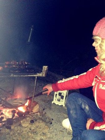 Purecamping: BBQ time around the campfire