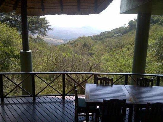 Ntshondwe Lodge: View from restaurant deck