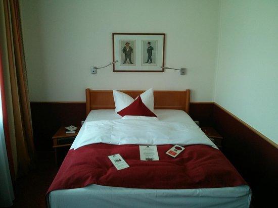 BEST WESTERN PREMIER Hotel Villa Stokkum: Bett