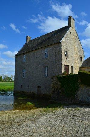 Manoir du Quesnay : Moat House