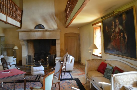 Manoir du Quesnay: Sitting area in Main Manor House...gorgeous