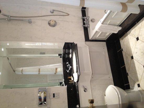 Newcastle Marriott Hotel Gosforth Park : Bathroom