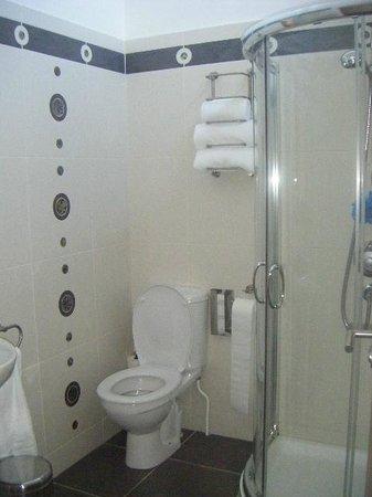 Apparo: bathroom