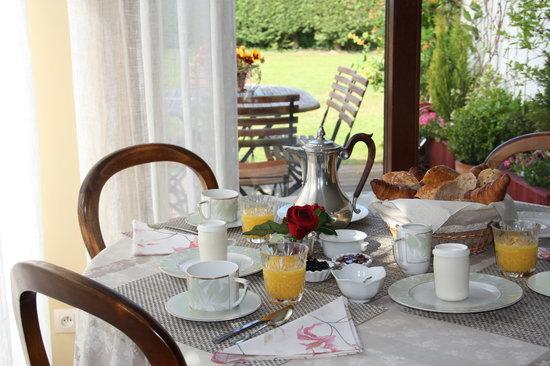 Clos de l'Ermitage: Le petit-déjeuner