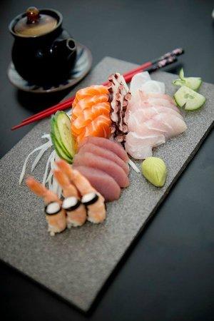 SASHIMITO Sushi Bar