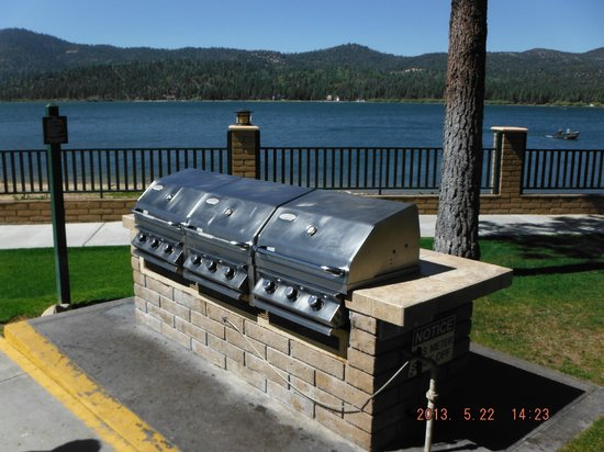 Lagonita Lodge: BBQ area