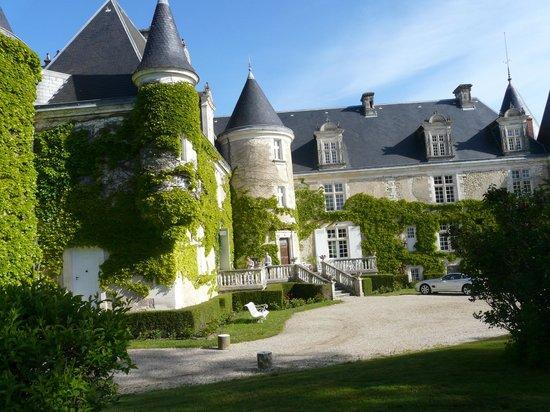 Château de La Côte : Vue sur l'entrée