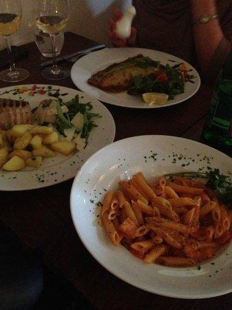 Pinocchio Italian restaurant & Wine bar : Seabass, Tuna Steak & Pasta with Salmon