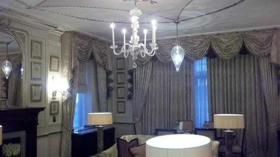 The Connaught: Somerset Suite - Salon