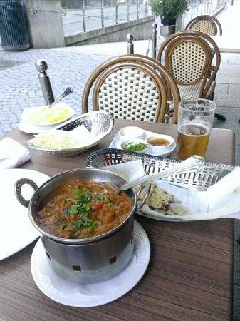 New Delhi: Chicken curry